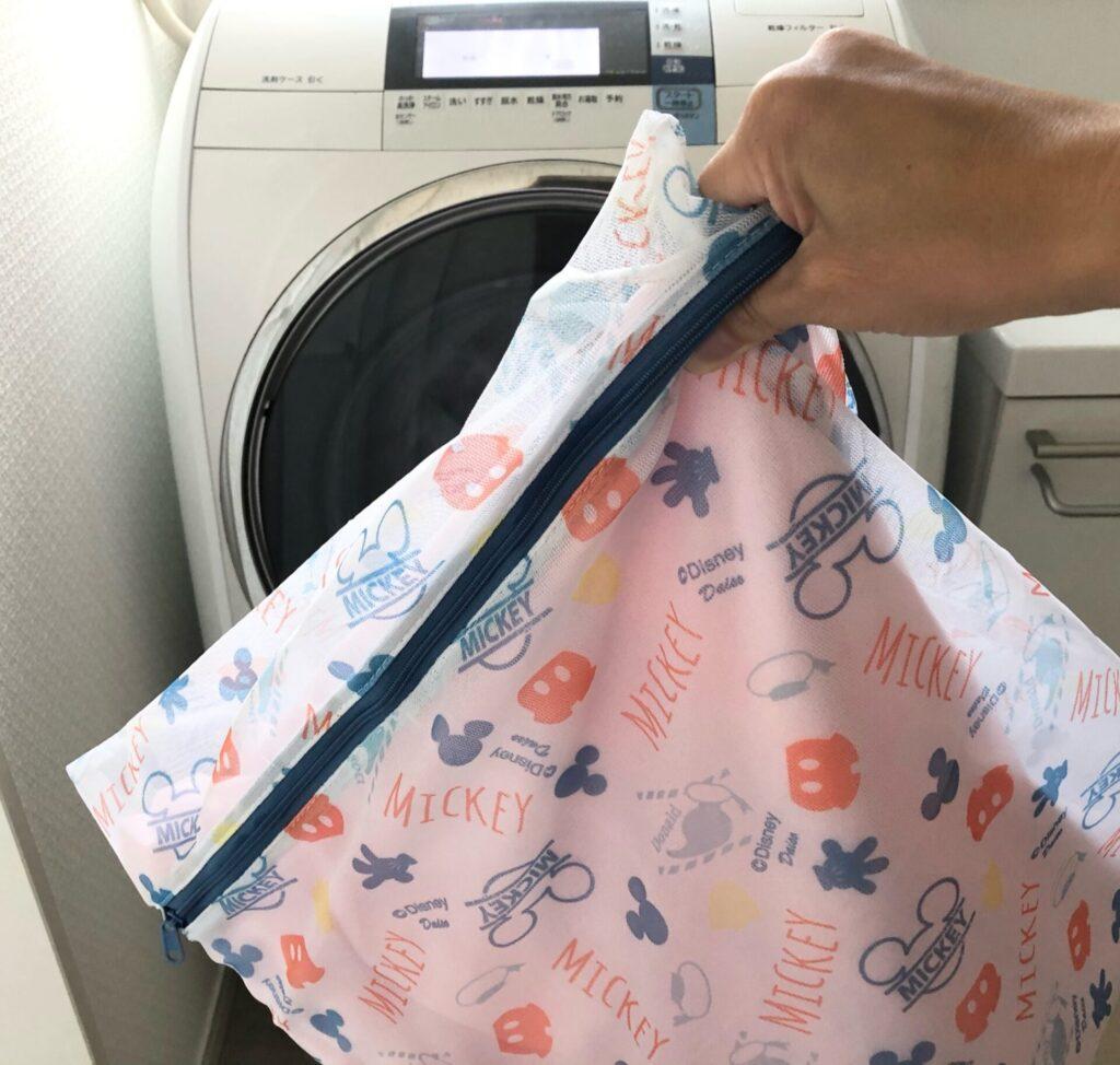 おねしょシーツは洗濯ネットに入れて洗う